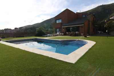 Stunning house with panoramic views in Bellamar private community in Castelldefels